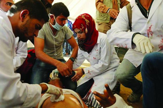 Razan al-Najjar saving lives